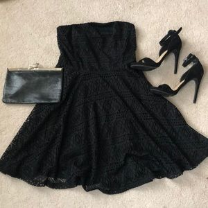 Express fit & flare strapless LBD